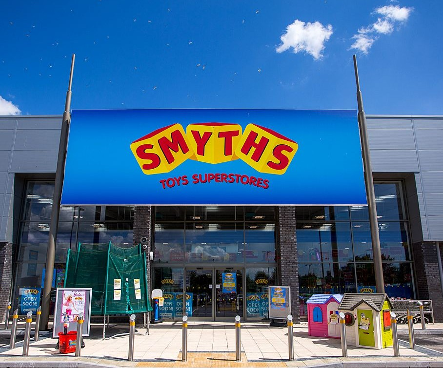 Shop New LEGO sets at Smyths + get free delivery on all LEGO when you spend over £15
